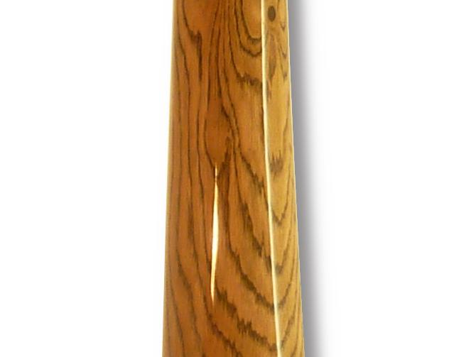 Original Woodslide Didgeridoo in der Gesamtansicht. Holz Roteiche, Tonlagen D - A Bestell Nr. 085 General View from Original Woodslide Didge, Wood Red Oak Pitches D – A Order No. 085