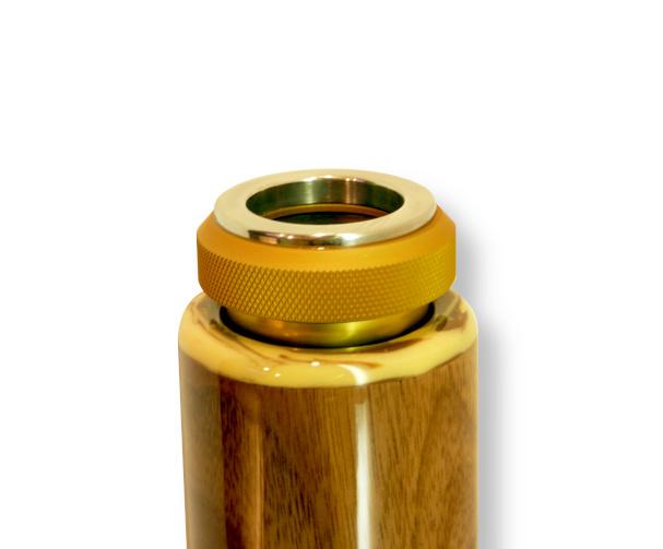 Original Woodslide Didgeridoo, Holz: Schwarznuss, Design natur, Ansicht Mundstück. Original Woodslide Didge, Wood: Black Nut, Design: natur, View: Mouthpiece